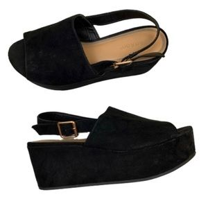 Bamboo peep-toe suede 90s ankle strap platforms